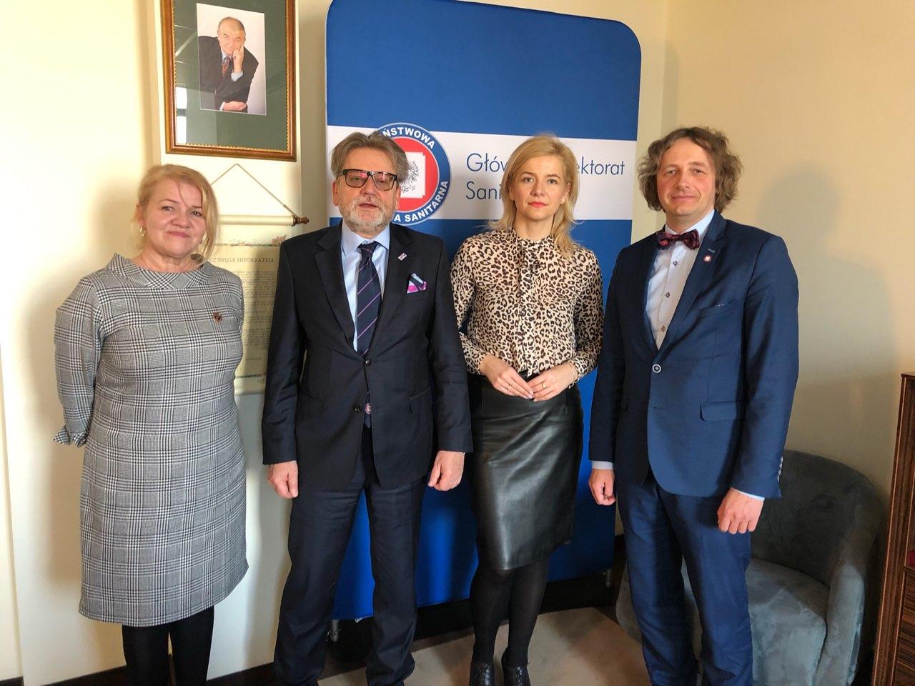 3 kwietnia 2019 r. odbyło się spotkanie Aliny Niewiadomskiej Prezes KRDL z Jarosławem Pinkasem Głównym Inspektorem Sanitarnym.