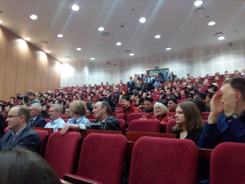 13 kwietnia w auli Warszawskiego Uniwersytetu Medycznego odbyła się uroczystość wręczenia dyplomów absolwentom kierunków analityka medyczna/medycyna laboratoryjna i farmacja.