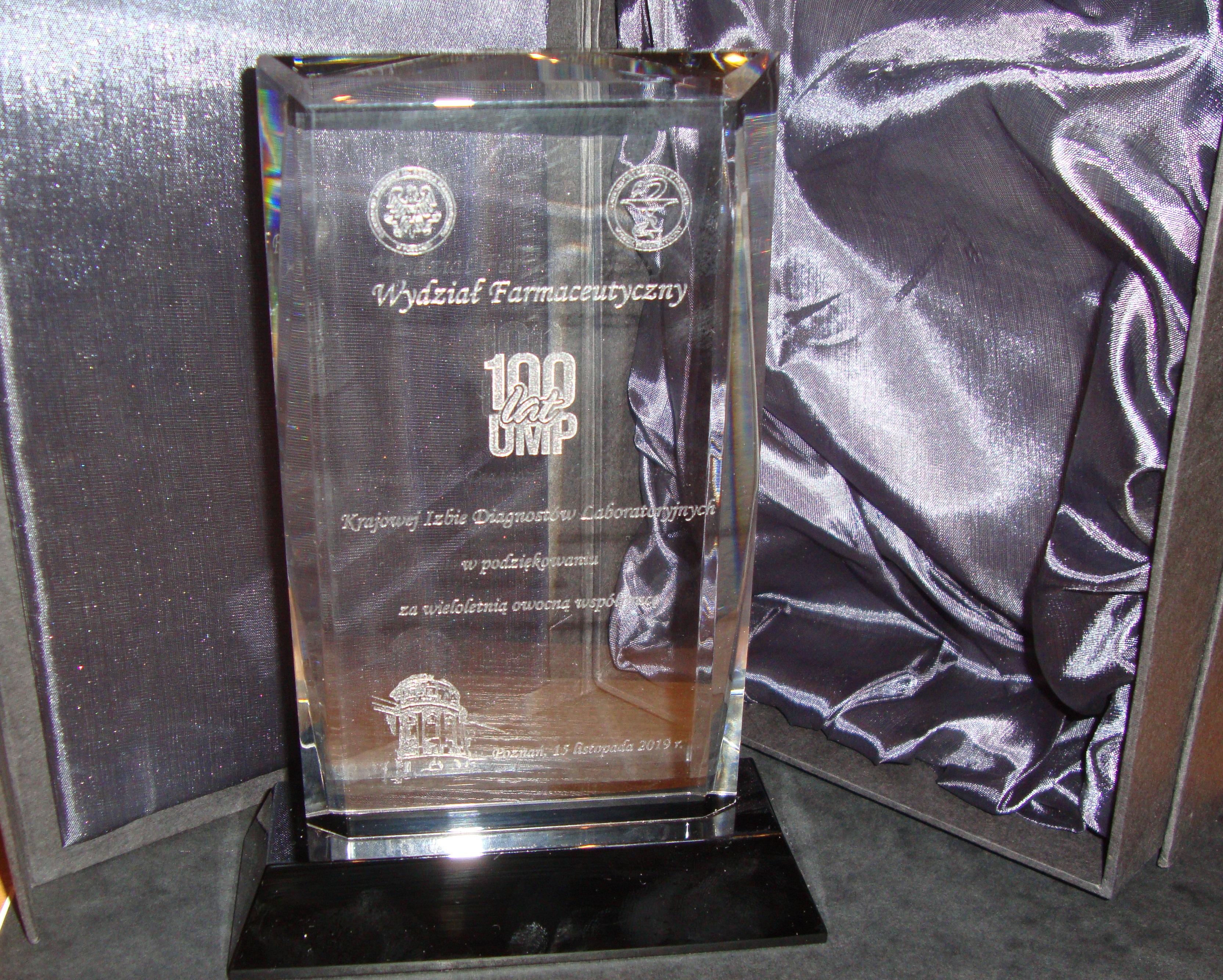 W trakcie uroczystości uhonorowano Krajową Izbę Diagnostów Laboratoryjnych.