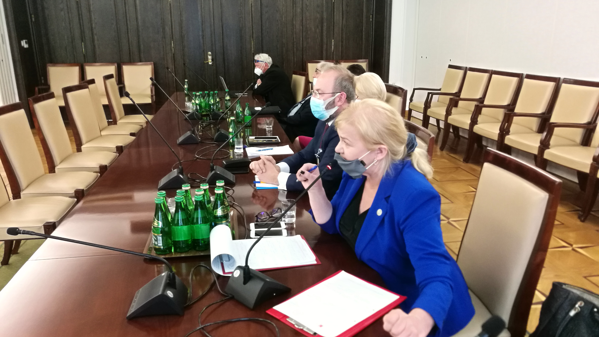1 czerwca br. prezes Krajowej Rady Diagnostów Laboratoryjnych Alina Niewiadomska uczestniczyła w Senackiej Komisji Zdrowia dotyczącej funkcjonowania systemu ochrony zdrowia podczas pandemii COVID-19.