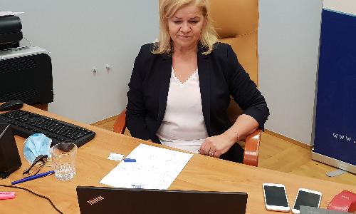 Przyszłość kadr medycznych w kontekście siatki płac, zadłużenie szpitali oraz dostęp do świadczeń medycznych były tematami  dzisiejszej wideokonferencji Doraźnego Zespołu Problemowego ds. ochrony zdrowia,  w której uczestniczyła Prezes KRDL Alina Niewiadomska.